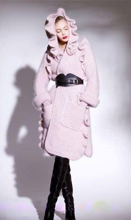 2013:br /Пальто традиційно вважається одним з основних br /модний одяг...