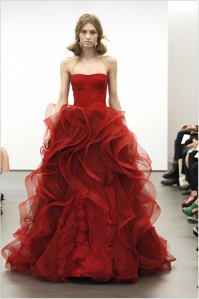 Весільні плаття 2013-2014 (40 фото)  c3558e0c8ebbf