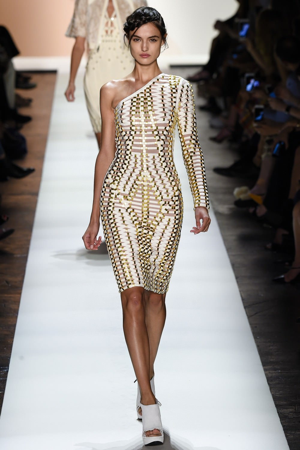 Herve Leger by Мах Azria